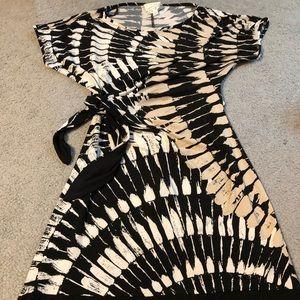 Donna Morgan Maternity Dress - Size Small